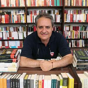 """""""El libro no pasará de moda, es casi el invento más perfecto del hombre"""""""